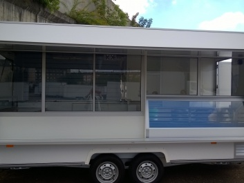 Commercial trailer (4.45m)