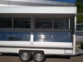 commercial trailer (3, 9 m)